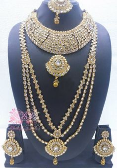 This Kundan Necklace is Crafted to Excellence. Scintillating Jewelry Will Add More Charm To Your Jewelry Collection. The Beauty & Ethnicity of This Piece is Bound to Make That Special Someone Go Weak in His Knees with Elation...!!! #Sparkling #Kundan #polkijewellery #polkinecklace #necklace #desi #desibride #bollywoodjewelry #desijewelry #dubai #mumbaifashion #vamadesigns #gold #desibeautyblog #asiana #asian #dressyourface #instafashion #picoftheday #singarstudio #shoponline #gems #fashion…