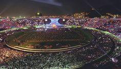 A benção, João de Deus: o Maracanã ficou lotado para receber o Papa João Paulo II duas vezes, em 1980 e em 1997 (foto) Foto: Custódio Coimbra / Arquivo/O Globo