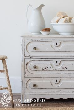 grain sack wash stand before and after with milk paint - Miss Mustard Seed Milk Paint Furniture, White Painted Furniture, Furniture Layout, Colorful Furniture, Furniture Projects, Rustic Furniture, Furniture Makeover, Vintage Furniture, Diy Furniture