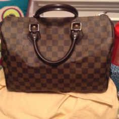 Ebene damier speedy 30. Great condition. Outside perfect. Inside has some marks. Should be able to be cleaned out.