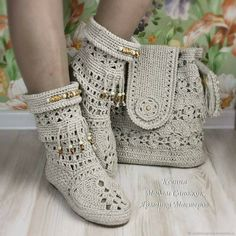 Best 12 Image may contain: shoes – SkillOfKing. Crochet Boots Pattern, Lace Knitting Patterns, Shoe Pattern, Crochet Slippers, Cotton Crochet, Crochet Baby, Baby Knitting, Diy Crafts Crochet, Crochet Sandals