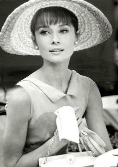 Audrey in 'Paris When it Sizzles'