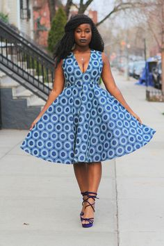 Blue White Circle African Print Wax Print Dress Dress SM- XL Ready to ship in 3 to 5 business days - Free Shipping (USA). Cute vintage inspired dress :) Details mini back zipper smooth waistline a little below the knee length (model 5 5) 100% cotton African wax fabric Blue circle
