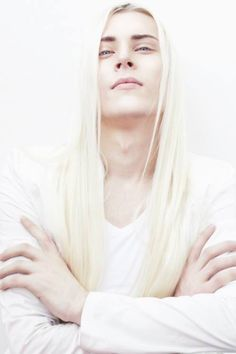 photo by Vega Starlight (guys, long hair) Beautiful Men, Beautiful People, Long White Hair, White Hair Men, Ai No Kusabi, Face Reference, Design Reference, Portraits, Male Beauty