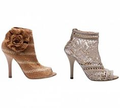Outstanding Crochet: D&G Spring 2011 crochet shoes. Crochet Shoes Pattern, Shoe Pattern, Crochet Slippers, Make Your Own Shoes, Bootie Boots, Shoe Boots, Dress Shoes, Shoes Heels, Knit Shoes