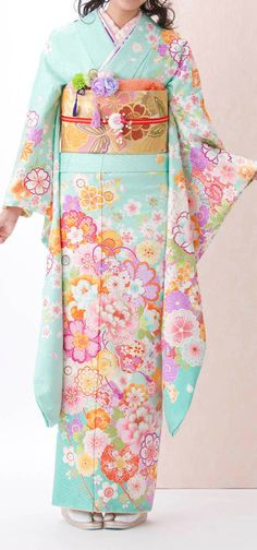 I want a kimono & hav 4 as long as I can remember. Mike is supposed to get me one on his next business trip to Japan.