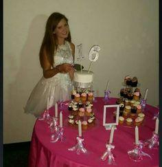 Cake table P Sweet 16