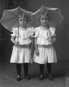 Tulevaisuus dating Twin sisaret