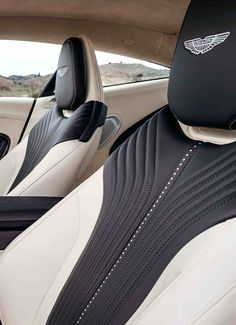 25 Amazing Luxury Car Interiors for you! Custom Car Interior, Car Interior Design, Truck Interior, Automotive Design, Car Interior Upholstery, Automotive Upholstery, Aston Martin Interior, Bentley Interior, Car Chair