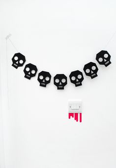 How To: Skull Bunting