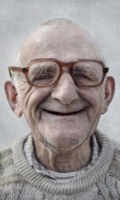 Composition: Content: This image is content because of the look on the face of this man and how he looks content with life. This image has portrait, upclose, and triangular balance Smile Face, Make You Smile, Men Smile, Tanz Poster, Beautiful Smile, Beautiful People, The Face, Old Man Face, Old Faces