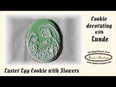 The Gingerbread Artist: Easter egg cookie decorated with white flowers