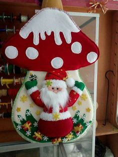 - Her Crochet Christmas Wreaths, Christmas Crafts, Cotton Candy Slime, Halloween Clay, Snowman Wreath, Paper Crafts, Diy Crafts, Paper Toys, Christmas Decorating Ideas