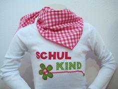 Tolle Geschenkidee zur Einschlung: http://de.dawanda.com/product/83153179-schulkind-shirt