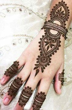 Online earn bd 2019 in social market Mehndi Designs Front Hand, Pretty Henna Designs, Finger Henna Designs, Modern Mehndi Designs, Mehndi Designs For Girls, Mehndi Designs For Beginners, Mehndi Design Photos, Henna Designs Easy, Mehndi Designs For Fingers