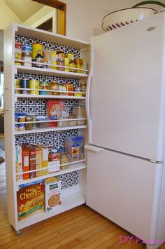 The BEST pantry organization idea! DIY space saving rolling kitchen pantry Related posts: Add Space & Convenience with a Simple DIY Pantry New Kitchen Pantry Ideas Rolling Pantry, Small Pantry, Kitchen Small, Small Garage, Country Kitchen, Space Saving Kitchen, Kitchen Post, Kitchen Ideas To Save Space, Kitchen Ideas For Small Spaces Design