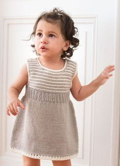 Kleid Coarse Wool Prego - Infanti Yarn N Filati - Diy Crafts - Marecipe Baby Knitting Patterns, Knitting Designs, Robe Diy, Apple Dress, Pull Bebe, Knit Baby Dress, Baby Pullover, Baby Cardigan, Quick Knits