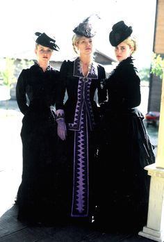 Tombstone Wives Paula Malcomson, Dana Wheeler-Nicholson and Lisa Collins… Tombstone 1993, Tombstone Movie, Tombstone Quotes, Western Film, Western Movies, Western Wear, Western Costumes, Katharine Ross, Doc Holliday