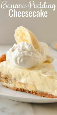 Rich easy to make Banana Pudding Cheesecake recipe from scratch! This is one of the most popular recipes and you'll love it! Rich easy to make Banana Pudding Cheesecake recipe from scratch! This is one of the most popular recipes and you'll love it! Banana Pudding Cheesecake, Banana Pudding Recipes, Cheesecake Desserts, Köstliche Desserts, Delicious Desserts, Cheesecake Bites, Pudding Cake, Banana Recipes No Bake, Banana Pie Recipe