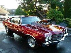 Vintage Motorcycles Muscle Chevy Chevelle - WOW that car is fucking beautiful! Old Muscle Cars, American Muscle Cars, Gp Moto, Chevy Chevelle Ss, Chevy Pickups, Chevrolet Auto, Chevy Luv, Classic Chevrolet, Camaro Ss