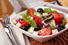 Traditional Greek Salad with Grecian Harvest Organic Olive oil Caprese Salad, Cobb Salad, Traditional Greek Salad, New Menu, Cafe Restaurant, Mediterranean Diet, Quick Easy Meals, Food And Drink, Healthy Recipes
