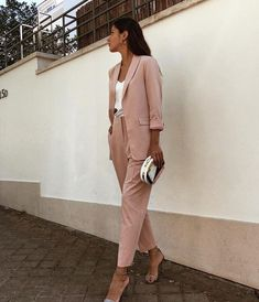 55 amazing outfits office a style simple, beauty and travel 2019 page 42 Sporty Outfits, Urban Outfits, Classy Outfits, Trendy Outfits, Fashion Outfits, Formal Outfits, Fashion Clothes, Fashion Fashion, Womens Fashion