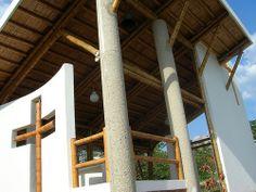 fachada capilla construida con guadua www.zuarq.co