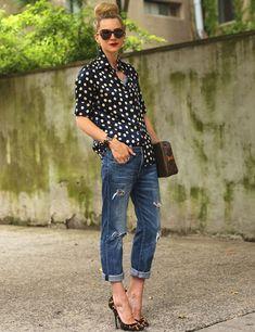 O jeans é prático, versátil e básico, e também pode ser o seu novo uniforme de trabalho favorito! Sim, a gente te mostra como.