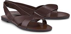 Diese Riemchen-Sandalette von Vagabond aus Leder in Dunkelbraun ist bequem und unkompliziert - kombinierbar zu unzähligen Freizeit-Outfits. Perfekt für den Sommer!