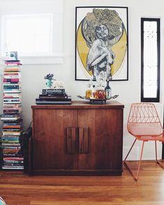 """Ihr doch bestimmt auch, oder?! Auf dem Blog gibt's deshalb eine neue Homestory aka Kolumne """"Katzenbesitzer und ihr Zuhause""""... Klickt euch doch mal rein"""