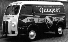 Peugeot from the local dealer in Lyon 1956 Auto Peugeot, Step Van, Combi Vw, Panel Truck, Cool Vans, Motorcycle Design, Motorcycle Touring, Vintage Vans, Truck Camper
