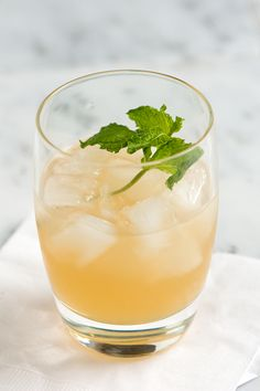 Southside cocktail: 4 tablespoons oz) spiced gin (Bombay Sapphire) 6 mint leaves 1 tablespoon plus 1 teaspoons oz) simple syrup 1 tablespoon plus 1 teaspoons oz) lime juice 3 drops cocktail biters Extra mint sprig for garnish Party Drinks, Fun Drinks, Yummy Drinks, Alcoholic Drinks, Beverages, Easy Cocktails, Cocktail Drinks, Cocktail Recipes, Gin Recipes
