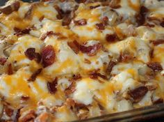 Twice Baked Potato Casserole: Got to try this as much as we like twice baked potatoes!