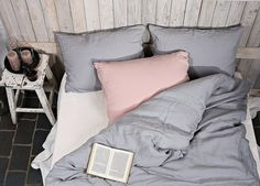 Love the light pink color with the grey.
