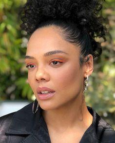 ⚡️FLASH⚡️ of orange liner on 🧡🧡 Styling hair makeup by me 😊 Marvel Women, Marvel Actors, Pretty People, Beautiful People, Light Skin Girls, Coloured Girls, Vintage Black Glamour, Tessa Thompson, Beautiful Black Women
