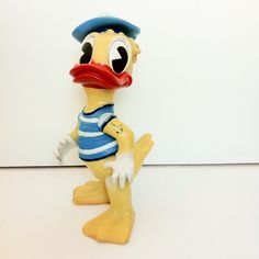 60's Aradeana Donald Duck. Vintage Toys, Donald Duck, Disney Characters, Fictional Characters, Art, Art Background, Old Fashioned Toys, Kunst, Performing Arts