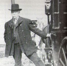 Michael Cassius McDonald (born: 1839 – died: March 9, 1907 in Chicago) During a 50-year career in the underworld, journalists, gangsters, mayors and even one president of the United States took orders from Chicago's original crime boss. (At a private meeting in the White House he persuaded President Chester Arthur to pardon a colleague convicted in a Ponzi scheme.)