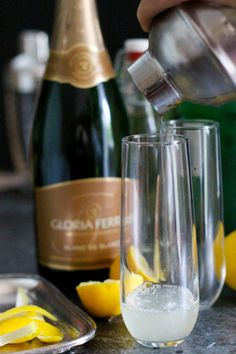 The French 75 Champagne Cocktail - Everyone needs a go-to elegant ...