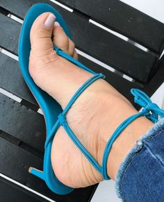 Sexy Heels, Strappy Heels, Black Dancers, Gorgeous Feet, Beautiful, Female Feet, Nice Legs, Flip Flops, Sexy Women