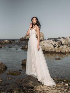FARA SPOSA Glamour, Formal Dresses, Wedding Dresses, Your Photos, One Shoulder Wedding Dress, White Dress, Vintage, Album, Google