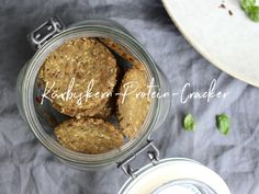 Protein, Vegan, Crackers, Food Inspiration, Peanut Butter, Snacks, Red Peppers, Biscuit, Treats