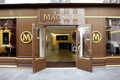 Magnum Paris : 23, rue du Roi de Sicile – 75004 Paris  Mardi, Mercredi et Dimanche de 12h à 20h  Jeudi, Vendredi et Samedi de 12h à 22h