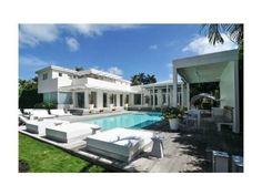 Shakira's House | Celebrity Homes | Celebrity Houses | CelebHomes.net