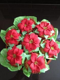 Poinsettia bouquet - Cake by TheCakeLadySouthend - CakesDecor