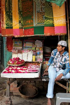 New Delhi, India Bazaar at Mazaar. New Delhi Times offers mobile news India today cricket match recent business news in India that is recent updated and current news.