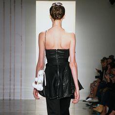 Portable Shops - Items Bunny Bags, Leather Skirt, Shops, Skirts, Fabric, Shopping, Fashion, Tejido, Moda
