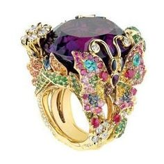 Dior Fall 2010 Haute Joaillerie   ( So Pretty . I love all the colours, too bad it wasn't white gold though )