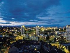 The Glasgow skyline as seen from the Glasgow Lofts Apartments with rates from just £89 a night. #Glasgow #Amazingviews #Apartments