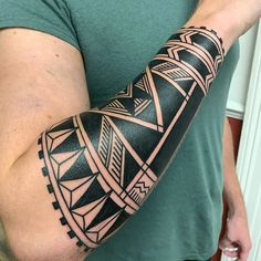 Tribal Sleeve Tattoos, Black Ink Tattoos, Best Sleeve Tattoos, Dope Tattoos, Body Art Tattoos, Hand Tattoos, Tattoos For Guys, Band Tattoo Designs, Polynesian Tattoo Designs