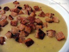Hrachová krémová polévka s krutonky